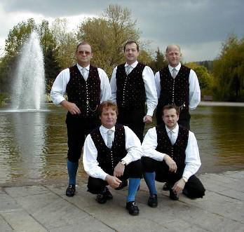 The Quintet infront of the fountain of Klagenfurt's Europapark.